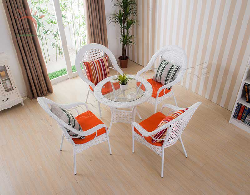 PE Rattan/ Wicker Aluminum Outdoor Garden Chair in White Color